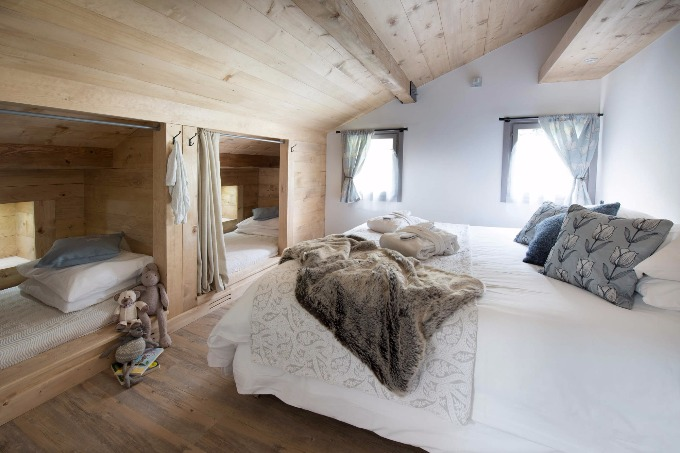 Luxury chalet morzine 16 people for Boutique hotel ski