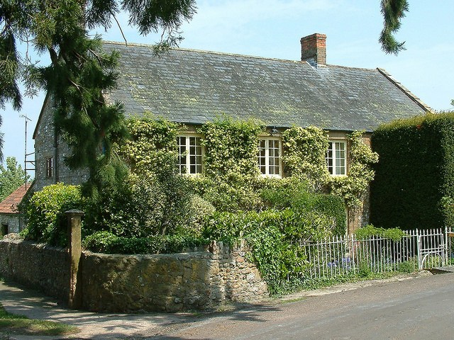 Holiday Cottages Somerset 9 people » Myrtle House