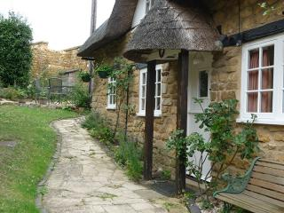 TYTHE BARN COTTAGE Ebrington Chipping Campden Gloucestershire