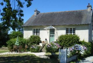 Holiday cottage Brittany - L, La Fontaine Rouillee, Plessala, Cotes-d'armor, Brittany Sleeps 4 people