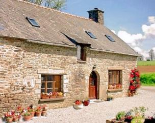 Holiday cottage Brittany - L, La Fontaine Rouillee, Plessala, Cotes-d'armor, Brittany Sleeps 2 people