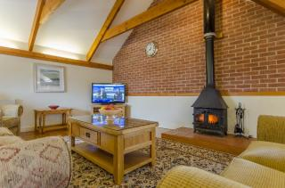 Holiday Cottages Cornwall » Rafters, Higher Menadew Farm Cottages, Nr St Austell, Cornwall Sleeps 6 people