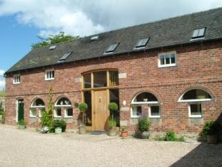 Holiday cottage Peak District - Billy's Bothy, Nr. Ashbourne, Derbyshire Sleeps 16 people