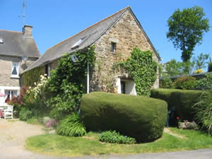 French Cottages Brittany 4 People Fuchsia Cottage Brittany France