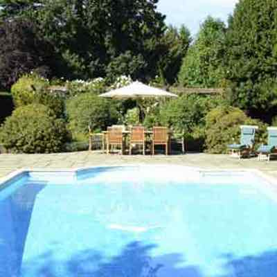 Holiday Cottages with Pools UK