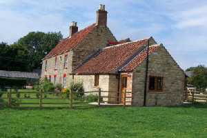 Yorkshire Holiday cottages,Apple Tree Cottage, Woodhouse Farm, Westow, Near York, England