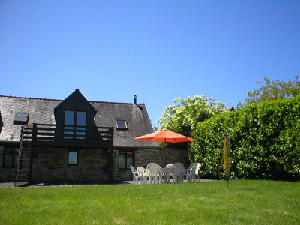 Holiday cottage Brittany - V, La Cour, Paimbu, Nr Masserac, Southern Brittany / Loire Atlantique Sleeps 10 people