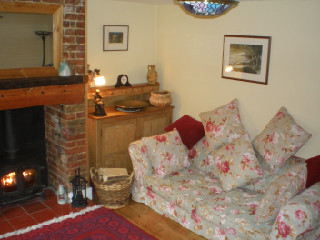 Suffolk Holiday cottages,Squirrel Cottage, Snape, Suffolk, England