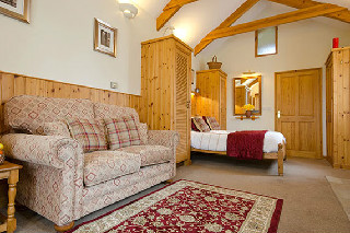 Holiday cottage Cornwall - Ryland, Higher Menadew Farm Cottages, Nr St Austell, Cornwall Sleeps 2 people